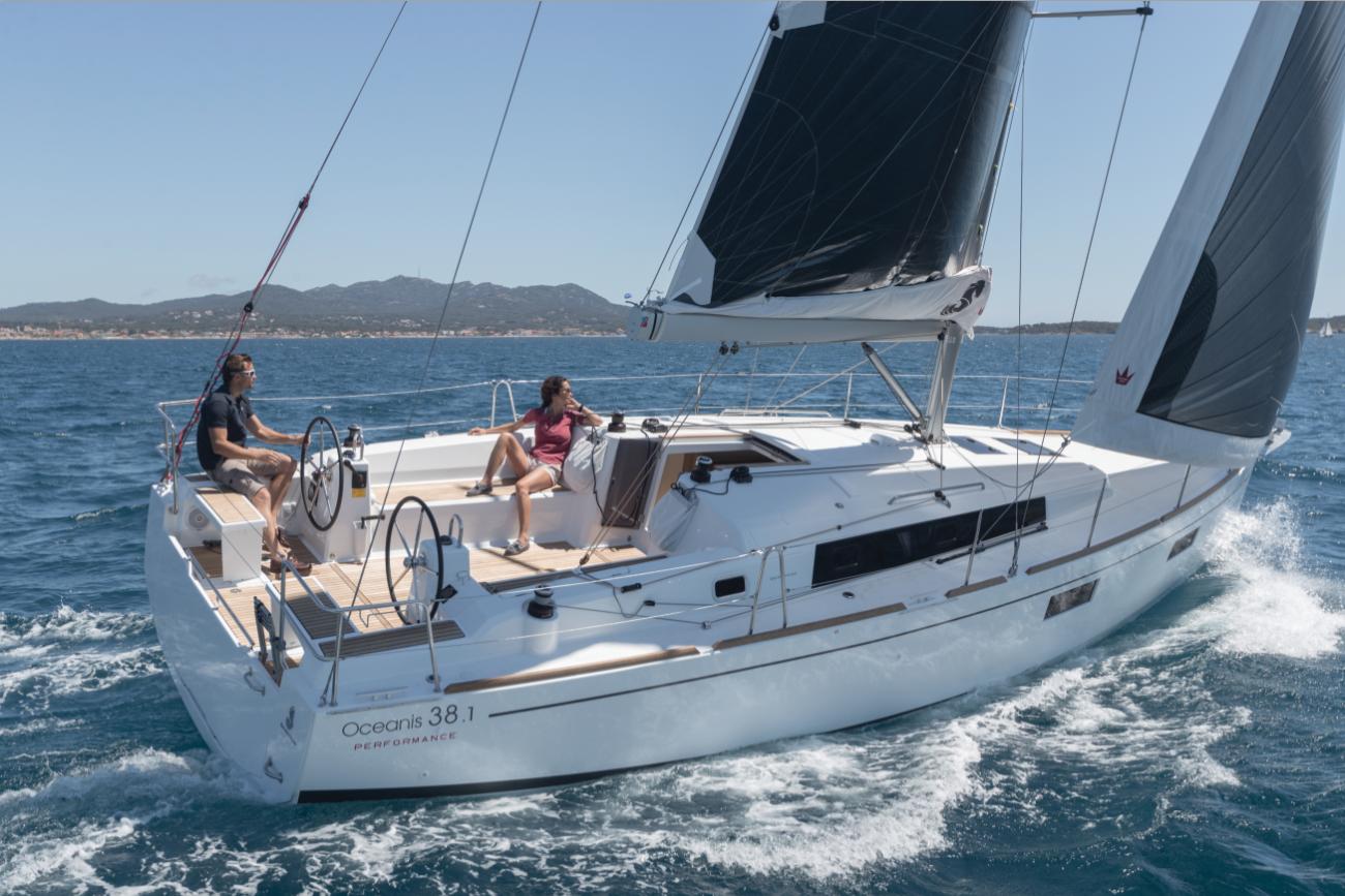 beneteau oceanis 38 1 pacific yachting rh pacificyachting com Beneteau Sailboat Parts 40 Beneteau Sailboats