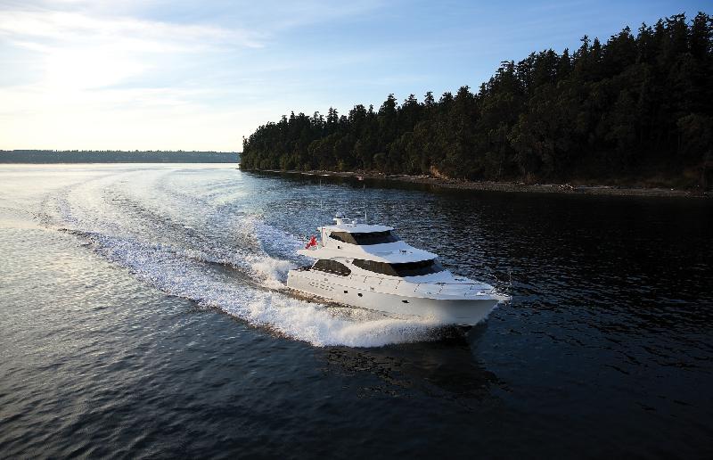 West Bay SonShip 72 Skylounge
