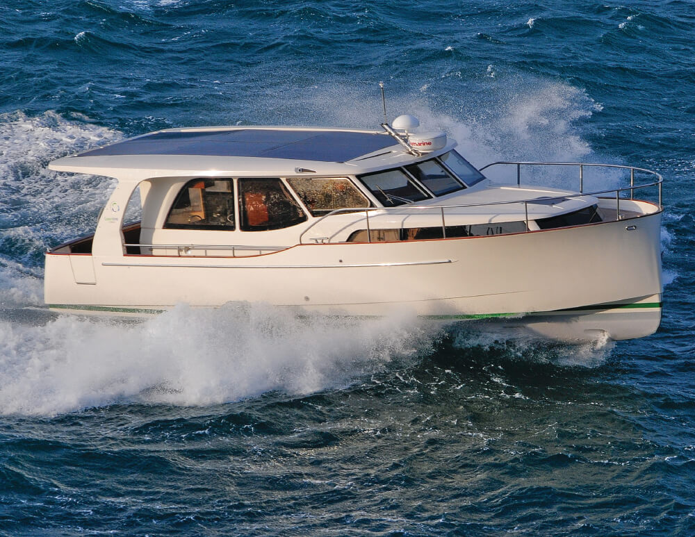 Greenline 33 Hybrid - Pacific Yachting