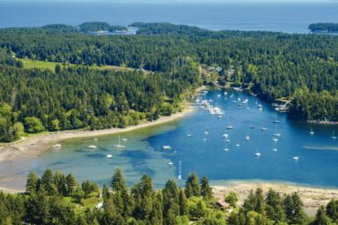Degnen bay is worth the stop when transiting Gabriola Passage. Credit: Kevin Oke.